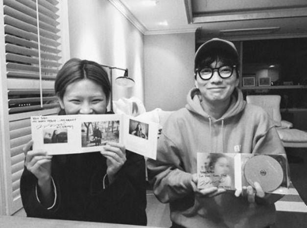 """'Tình hơn ngôn tình' 6 năm yêu 'kín tiếng' mà ngọt của """"Siêu trộm Bắc Triều"""" Jung Ho Yeon ảnh 11"""